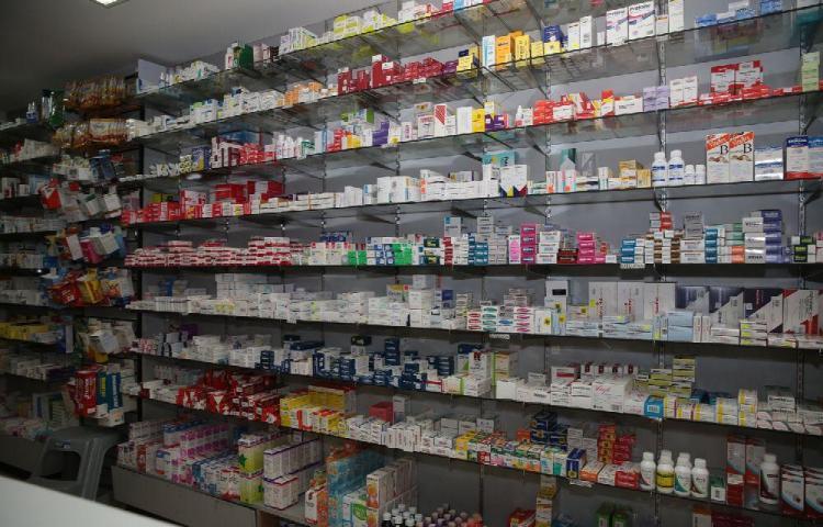 Minsa y Acodeco vigilarán las farmacias privadas