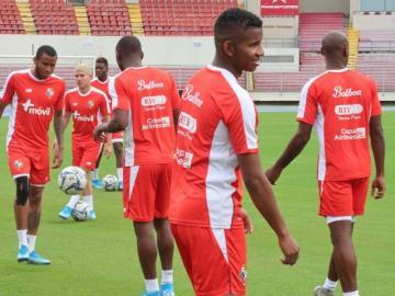 Panamá juega su última oportunidad para seguir por la Hexagonal