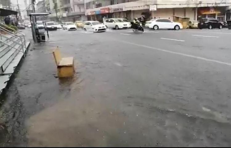 Panamá, inundada por las fuertes lluvias de este viernes