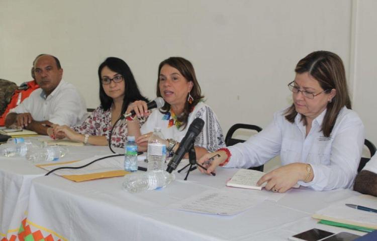 Instalan mesa para atender necesidades educativas de la comarca Ngäbe Buglé