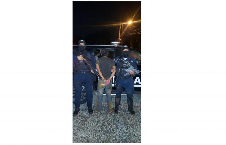 Detienen en Mañanitas a hombre que portaba arma con municiones sin detonar
