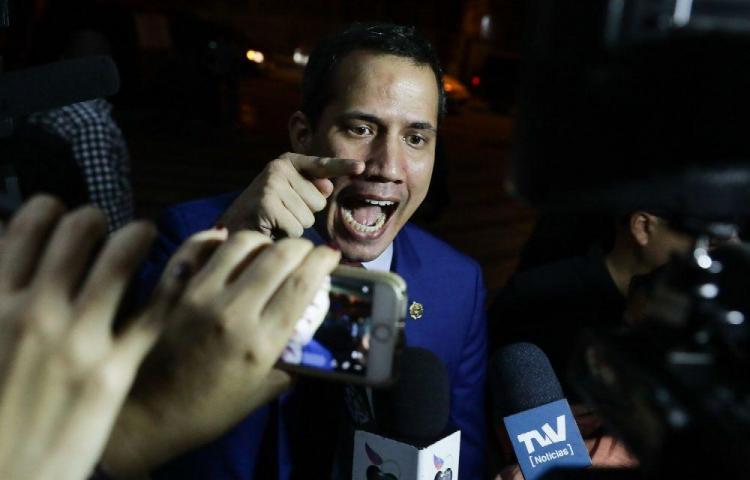 El partido de Guaidó pide esclarecer la irrupción armada