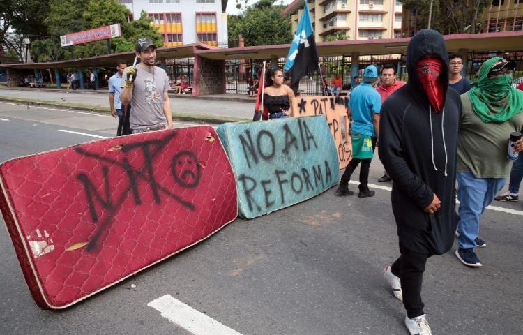 Marcha contra reformas, suma nuevos aliados