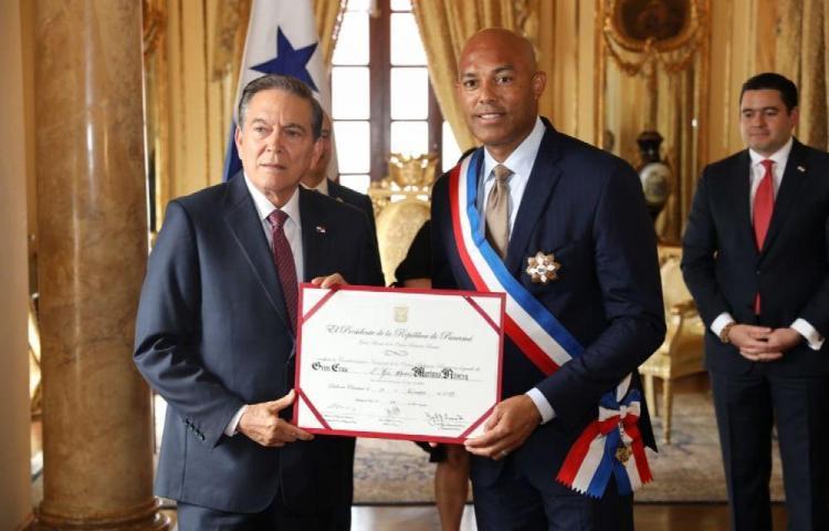 Mariano Rivera recibió la Orden Belisario Porras, en honor a su trayectoria
