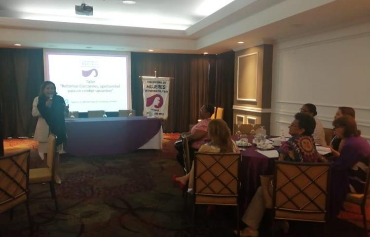 Secretarias Femeninas de los partidosanalizan las Reformas Electorales