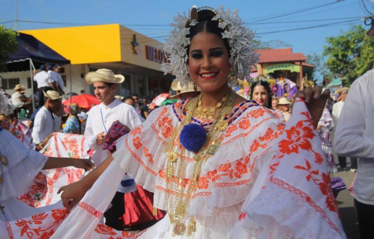 Desfile de las Mil Polleras se realizará en la Tablas