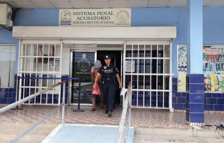 Ordenan detención a tres colombianos por delito relacionado con drogas