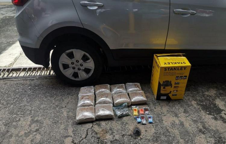 Se paseaba por Paitilla con 10 paquetes de droga