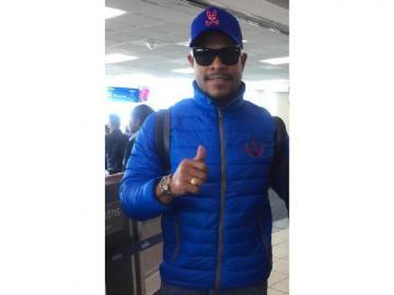 Román Torres viajó a Colombia con su agente
