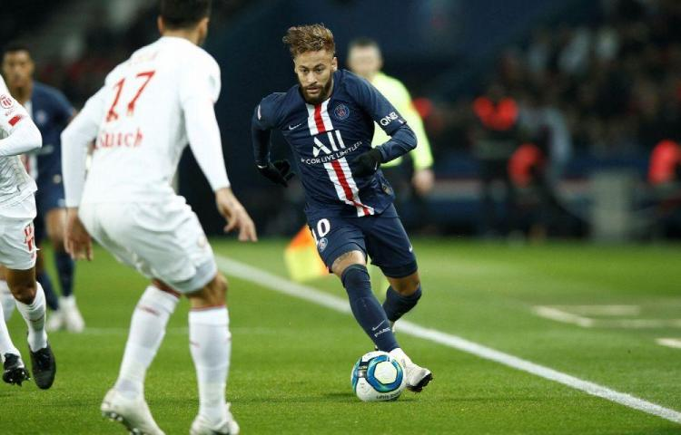 Neymar regresa, y el PSG reafirma su liderato en la liga francesa