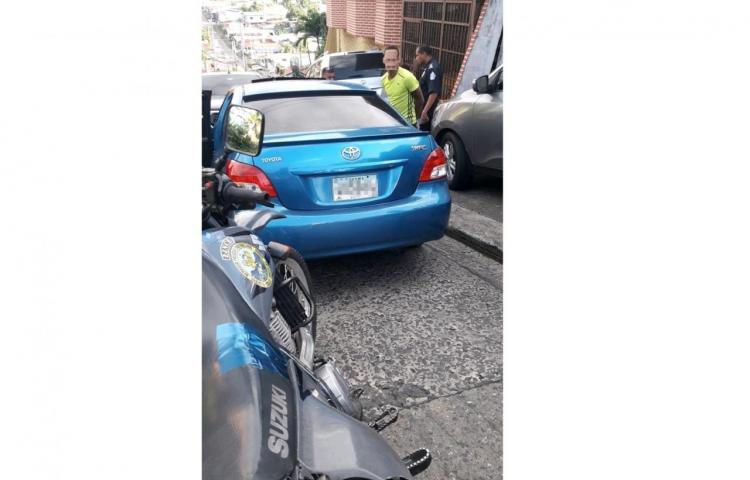 Tres roban auto en San Miguelito, uno se da a la fuga y es capturado en Veranillo