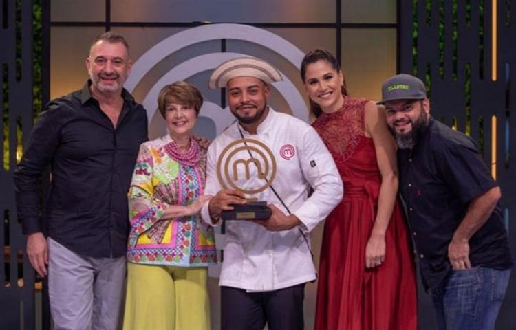 Héctor es el primer Master Chef Panamá