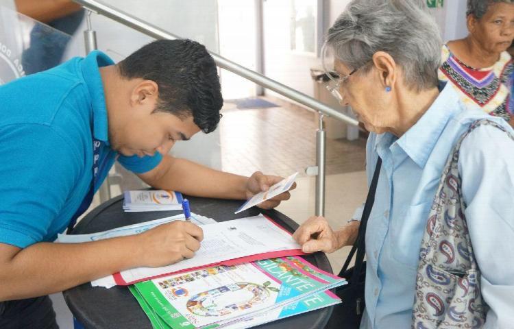 Incumplen con los beneficios de adultos mayores