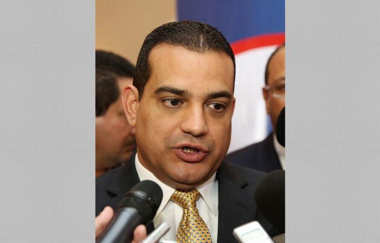 Abogado denuncia a exministro panameñista