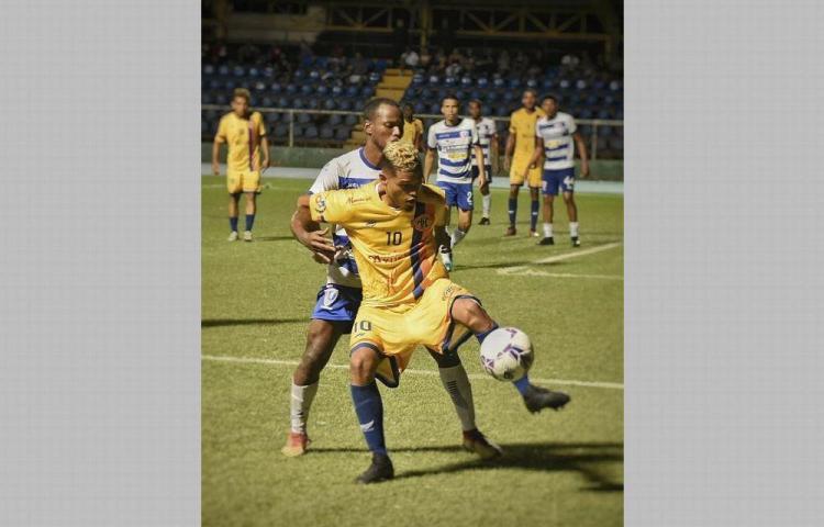 Los 10 clubes de la LPF se oponen a la llegada del Azuero FC y del Veraguas FC.