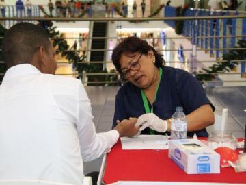 Minsa reporta 30,447 personas con VIH en treinta y cinco años