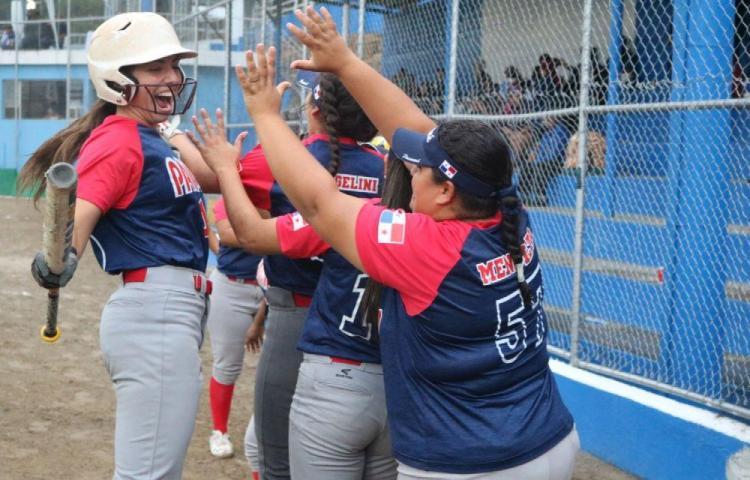Panameña Gabrille Moreno destacó en Torneo Centroamericano Mayor Femenino de Sóftbol