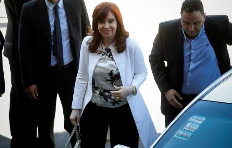 Cristina Fernández dice al juez que sufre una persecución impulsada por Macri