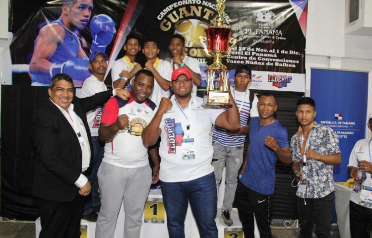 Darién, campeón del Guantes de Oro Juvenil