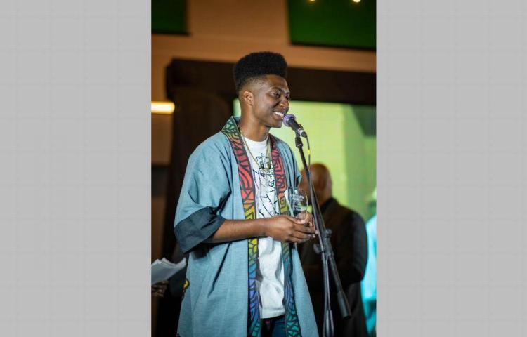 Jean Decort obtiene galardón en Afroshow Awards 2019
