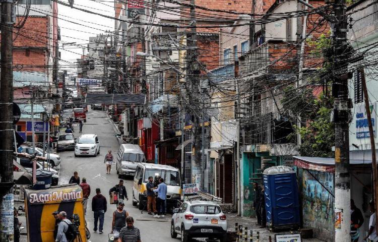 Suspenden a seis policías envueltos en una acción con 9 muertos