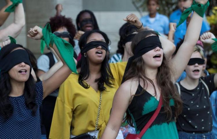 Canción contra los abusos sexuales se vuelve viral y hasta crean coreografía