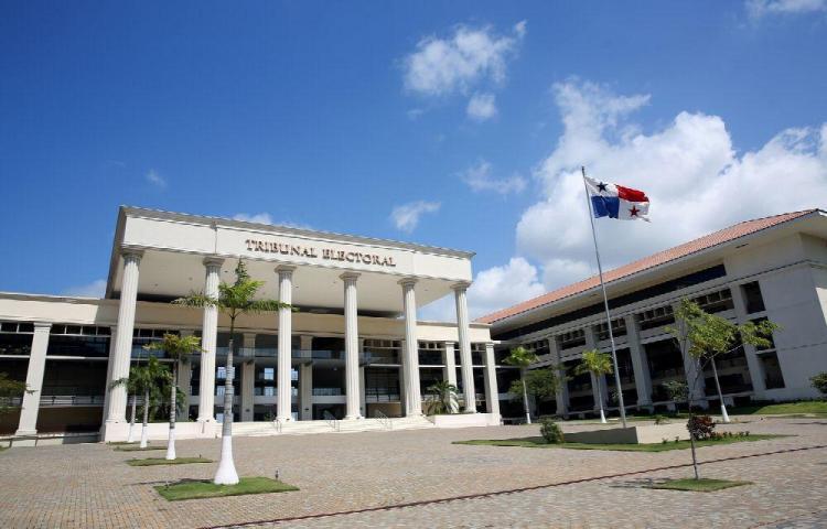 Políticos piden modificar Código Electoral vigente