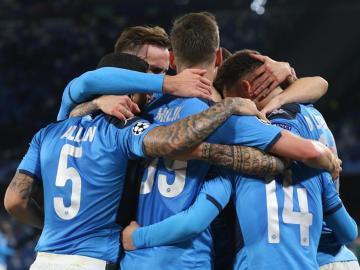 Napoli se metió en octavos de la Champions