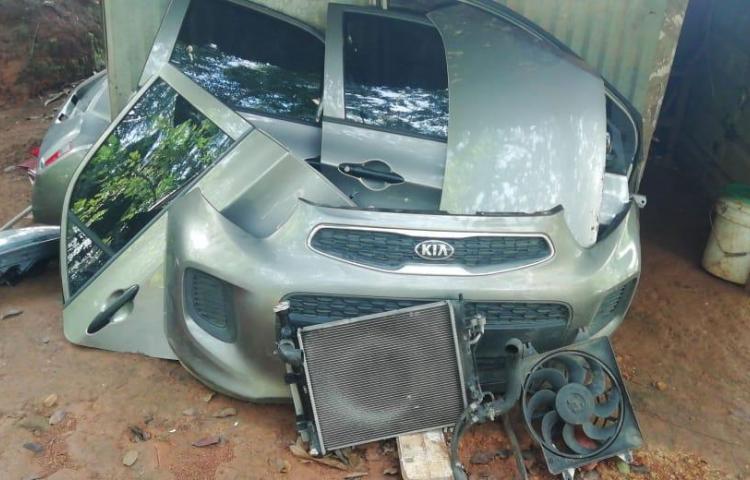 Recuperan auto robado enLoma del Sapo