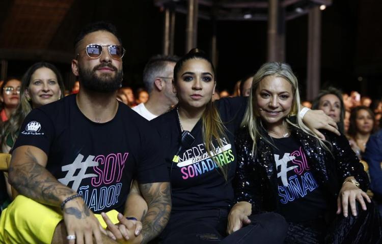 """Maluma celebra su """"año maravilloso"""" en un festival musical con su fundación"""