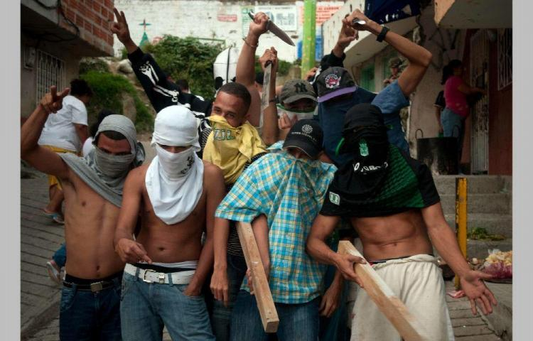 Envían a prisión a 23 miembros de la pandilla 'La Hermandad'