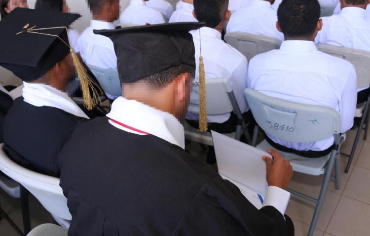 Adolescentes en conflicto terminan sus estudios de pre-media y media
