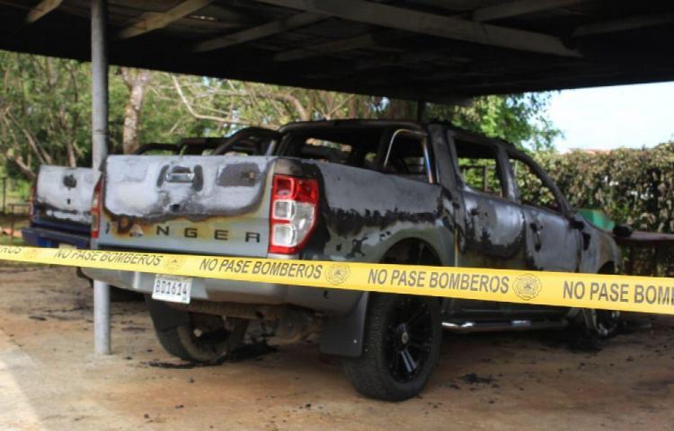 Queman dos carros en Herrera. ¿Fue provocado?