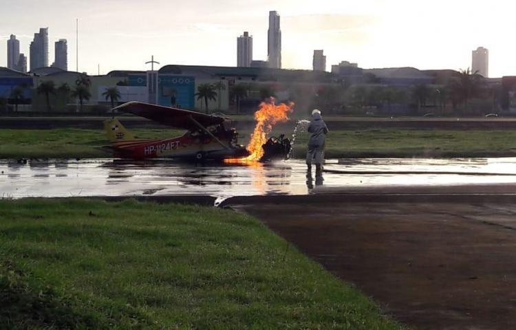 Se incendia avioneta en el aeropuerto de Albrook sin graves daños que reportar