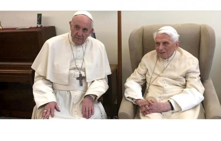 Duelo ficticio de pontífices en Netflix: Francisco y Benedicto, cara a cara