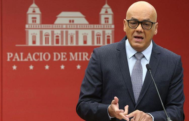 Guaidó denunció el hostigamiento de Maduro