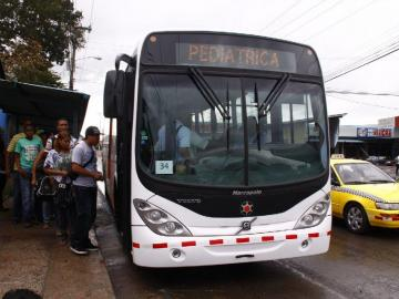 Panameños esperan que mejore el servicio de transporte de MiBus