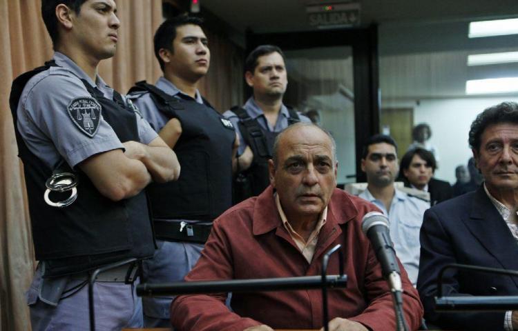 Cadena perpetua para dos policías argentinos