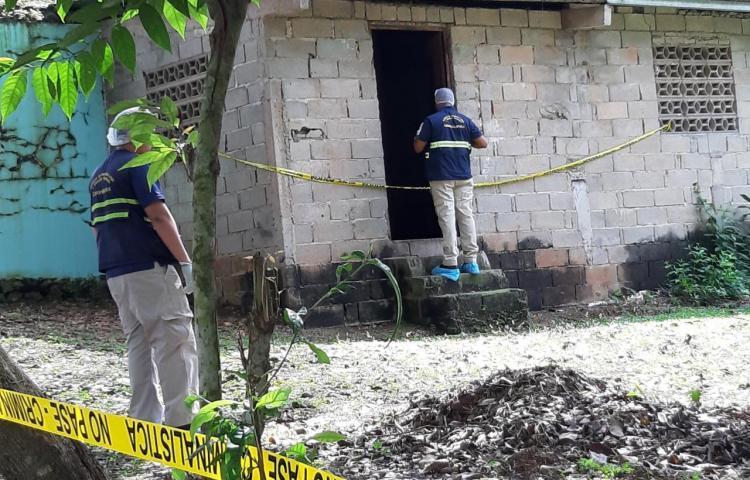 Encuentran dos personas muertas en Panamá Oeste