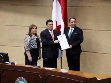 Procurador General y suplentes fueron ratificados ayer