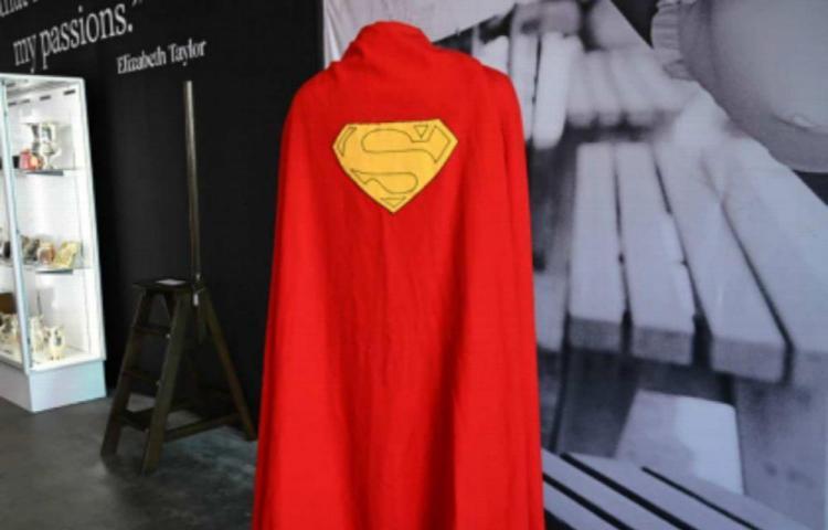 Capa de la primera película de Superman fue subastada en $200 mil