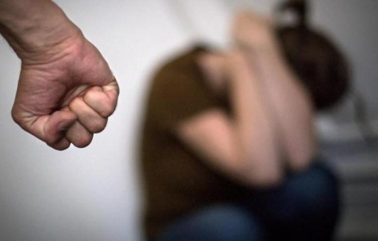 Una mujer es condenada a 5 años de cárcel por golpear a su exmarido