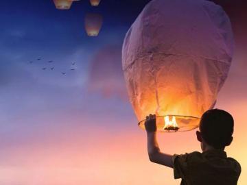 Uso de los globos del deseo pueden provocar incendios