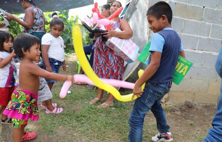 Niños de Calzada Larga viven el encanto de la Navidad