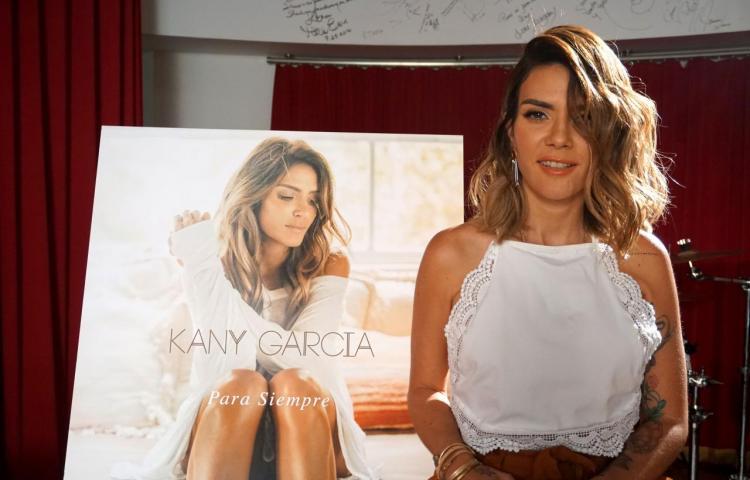 La cantante puertorriqueña Kany García se casa con su pareja, Jocelyn Trochez