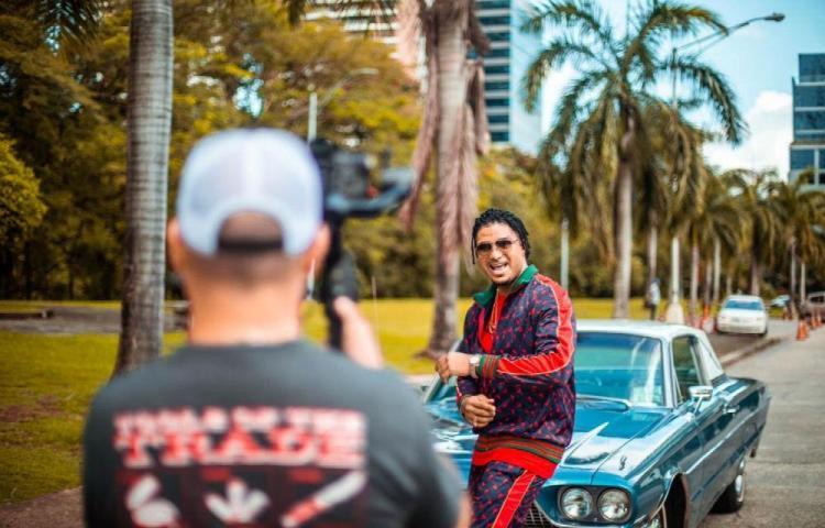 Después de tres años, Flama regresó para grabar video