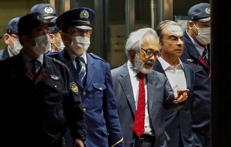 Investigan posible fuga de Japón de Carlos Ghosn