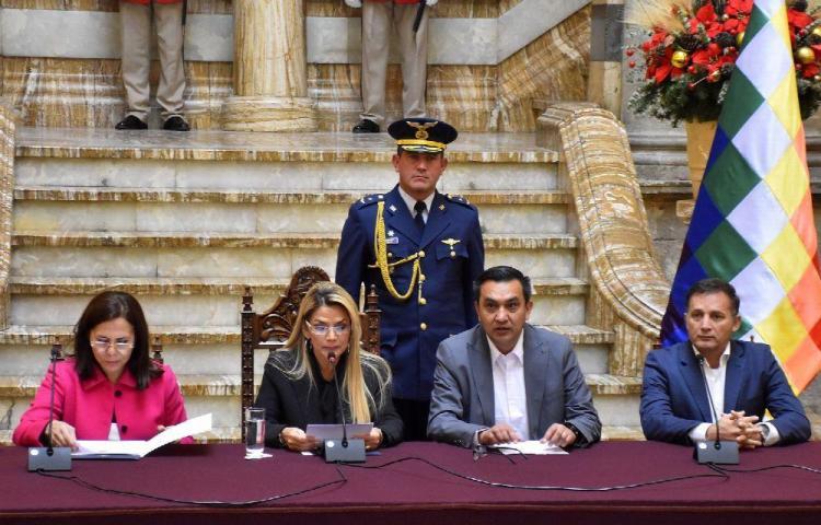 Bolivia agita la calma diplomática de fin de año