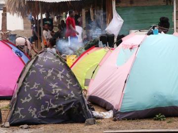 Atajan el paso a los nicaragüenses y se regresan a Panamá