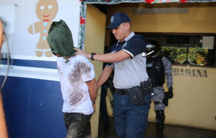 Hombre admite haber matado a su mujer en Chiriquíy logra acuerdo de 20 años de prisión
